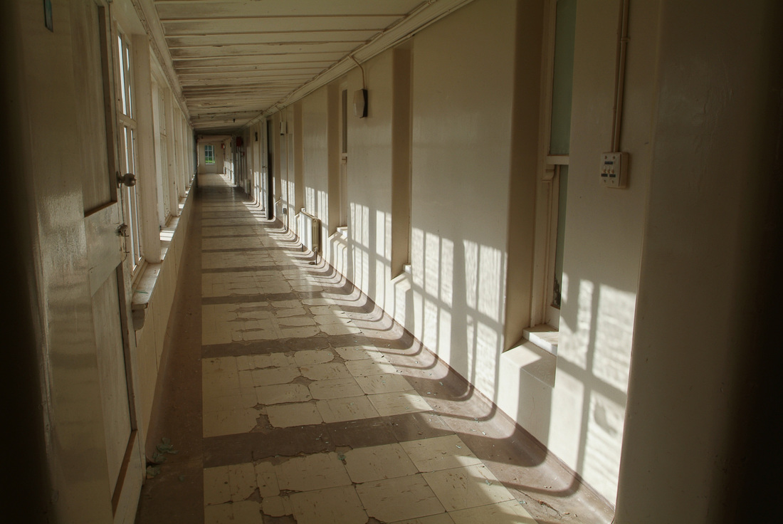 West wing corridor of Fever Hospital, 2011. Photo: James Gilberd, New Zealand Strange Occurrences Society