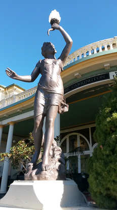 Carrington Hotel entrance statue, Katoomba NSW, photo by james Gilberd Strange Occurrences paranormal New Zealand